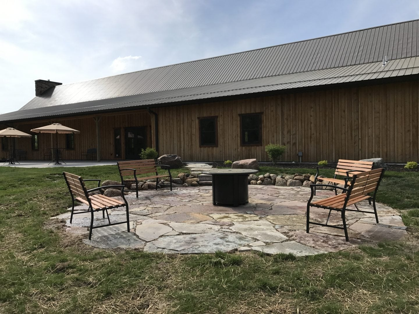 Country Lane Lodge - Wedding and Event Venues in Iowa - Outdoor Weddings & Events